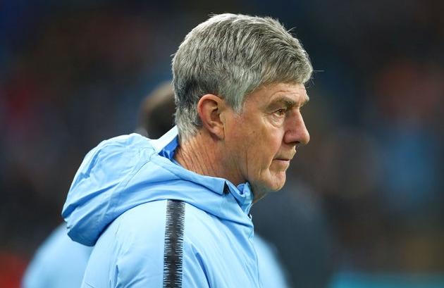 Từ Schmeichel đến Tevez: 7 cái tên từng khoác áo Man Utd và Man City - Bóng Đá