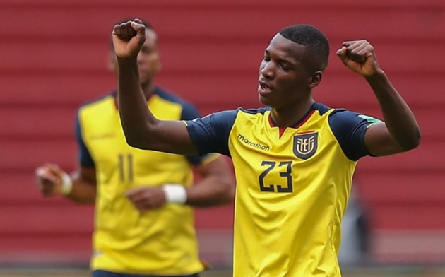 Manchester United asked Antonio Valencia for lowdown on transfer target Moises Caicedo - Bóng Đá