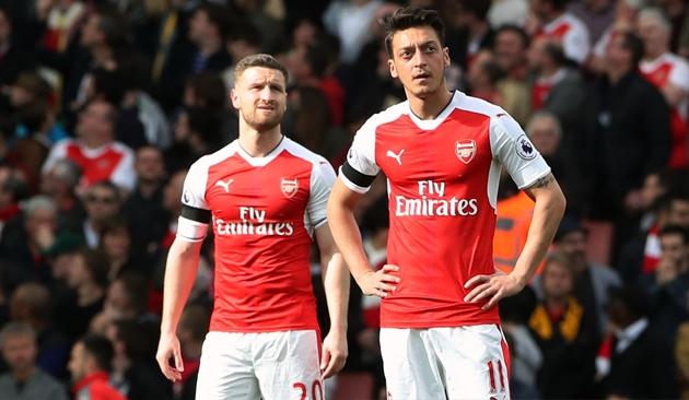 Mustafi: Arsenal's players didn't help Ozil - Bóng Đá