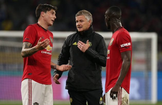 Eric Bailly says Solskjaer has given him valuable defensive advice - Bóng Đá