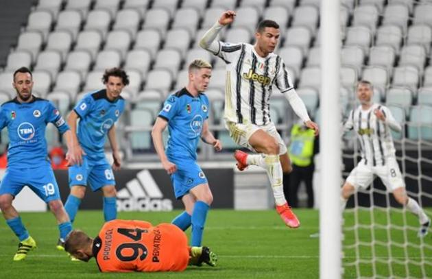 Phản ứng của Dybala sau khi Ronaldo ghi bàn - Bóng Đá