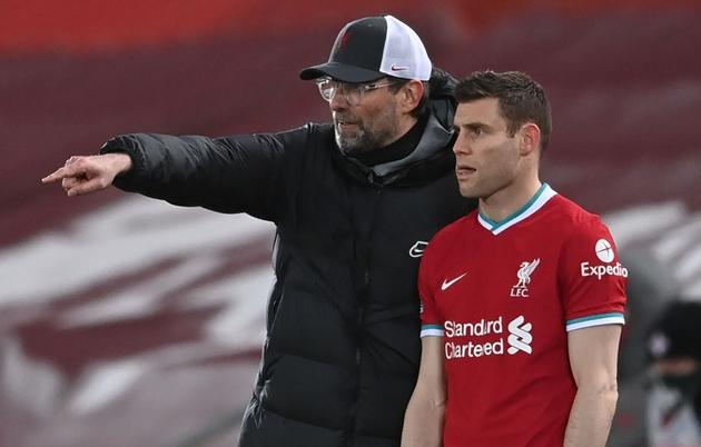 Dirk Kuyt makes prediction about Liverpool's top four chances after defeat by Chelsea - Bóng Đá