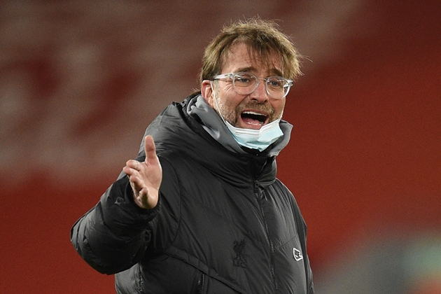 Points between 7th-placed Liverpool and 1st-placed Man City: 22; Points between Liverpool and 18th-place Fulham: 20 - Bóng Đá