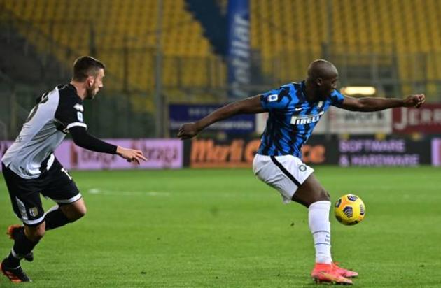 Lukaku khiến NHM phát cuồng với 2 pha kiến tạo cho Alexis Sanchez - Bóng Đá