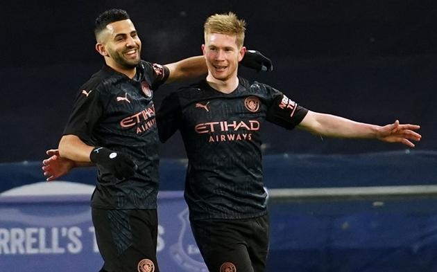 Mahrez quá khôn ngoan, trung vệ Everton không thể diễn hài - Bóng Đá