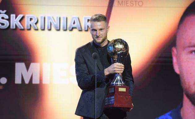 CHÍNH THỨC! Milan Skriniar giành Quả bóng vàng - Bóng Đá