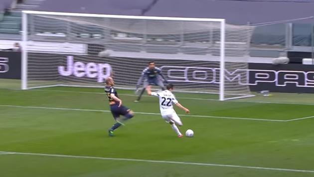 Ronaldo bỏ lỡ khó tin - Bóng Đá