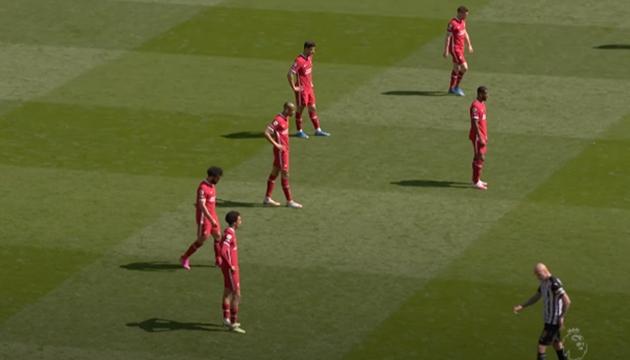 5 phút bù giờ trận Liverpool - Newcastle - Bóng Đá