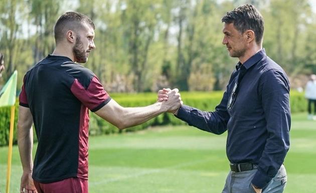 AC Milan tập luyện trước đại chiến - Bóng Đá