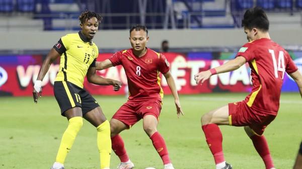 Đội tuyển Việt Nam thăng tiến trên bảng xếp hạng FIFA; Tấn Trường tri ân thầy Park - Bóng Đá