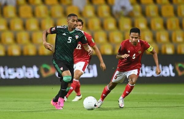 """Thầy Park không được liên lạc với ĐT Việt Nam; tiền vệ UAE muốn đá """"chết bỏ"""" - Bóng Đá"""