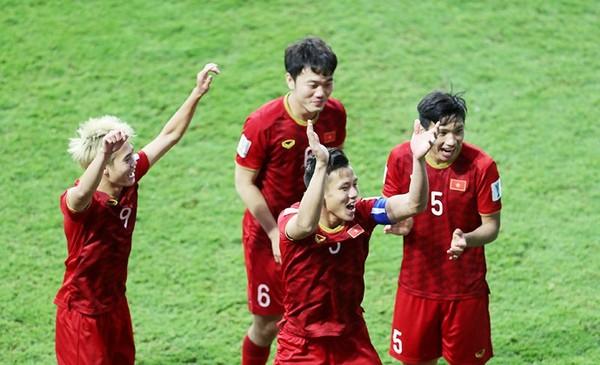 AFC thưởng cho ĐT Việt Nam; V-League có thể đá tập trung - Bóng Đá