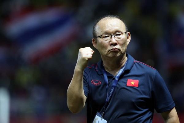 V-League tạm hoãn, thầy Park buồn ít nhưng vui nhiều - Bóng Đá