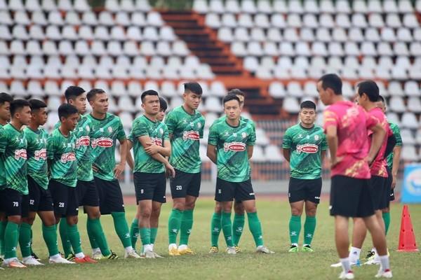 Thuận lợi và thách thức khi V-League 2021 bị hủy - Bóng Đá