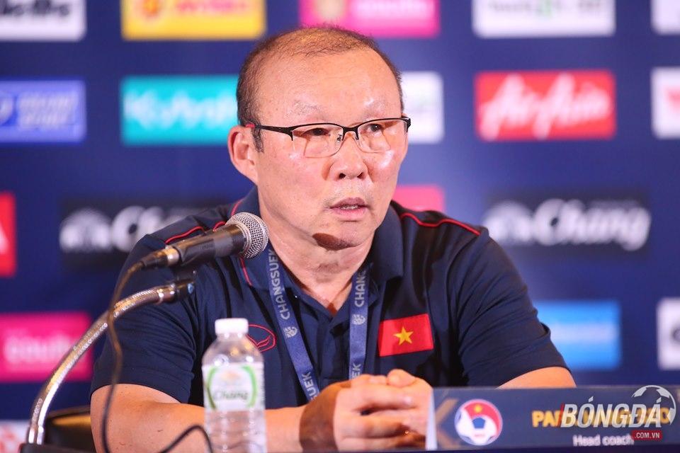 Chủ tịch LĐBĐ Thái Lan khẳng định chưa bao giờ chèo kéo HLV Park Hang-seo - Bóng Đá