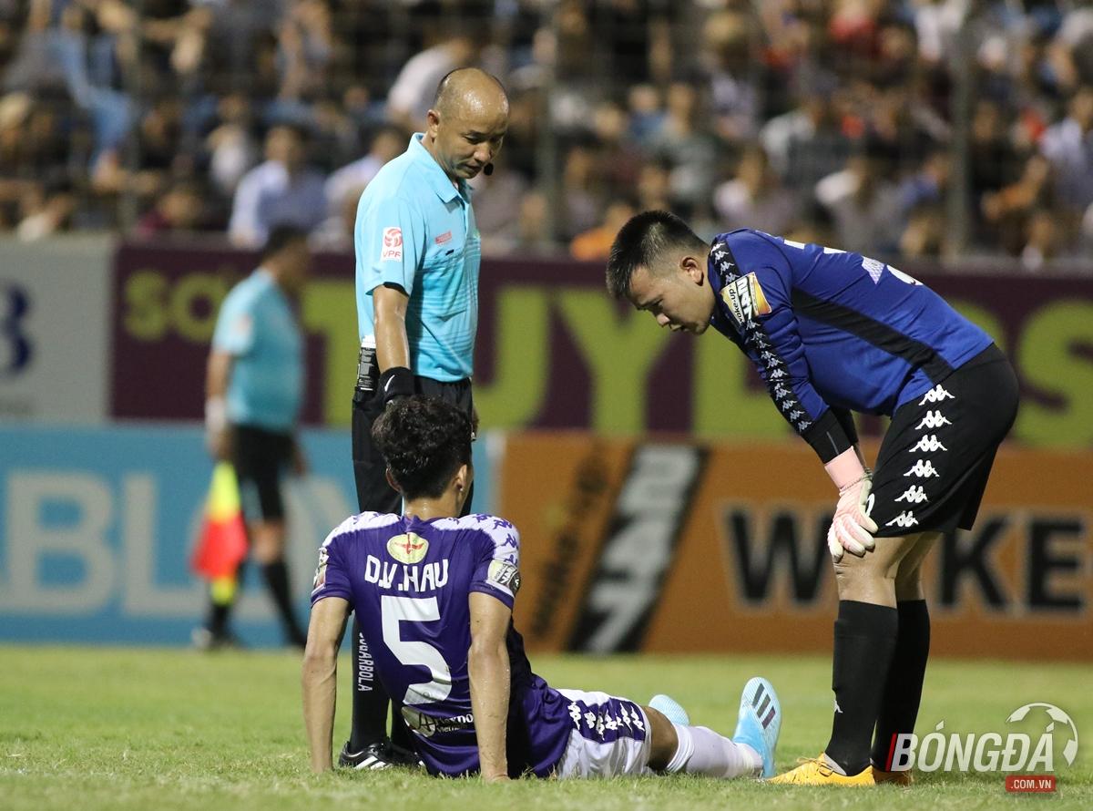 Sốc: Đoàn Văn Hậu dính chấn thương nặng, lỡ trận gặp Thái Lan - Bóng Đá