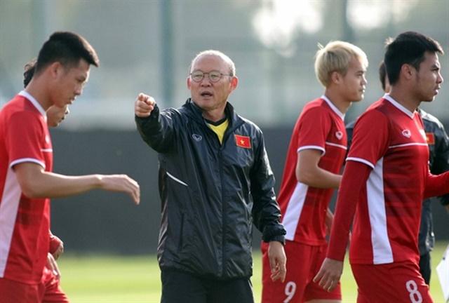 CHÍNH THỨC: HLV Park Hang-seo bổ sung 2 nhân tố mới tập trung đấu UAE - Bóng Đá