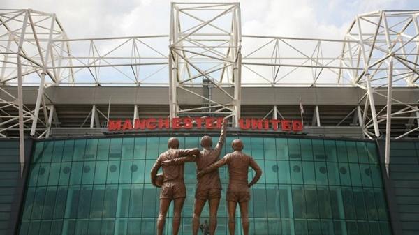Gary Neville gợi ý bán tên sân Old Trafford - Bóng Đá