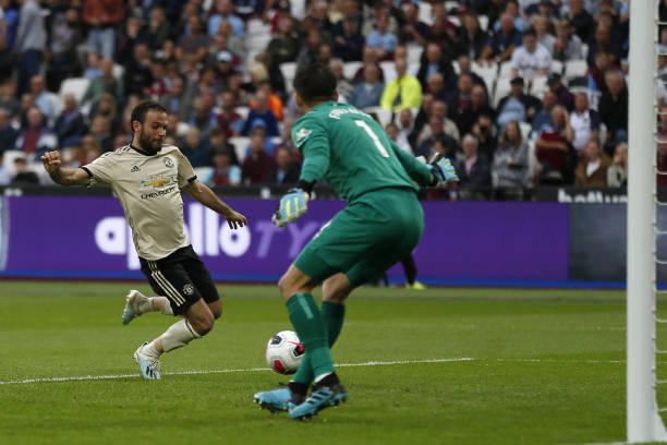 Mourinho dè bĩu, Solskjaer lập tức đáp trả - Bóng Đá
