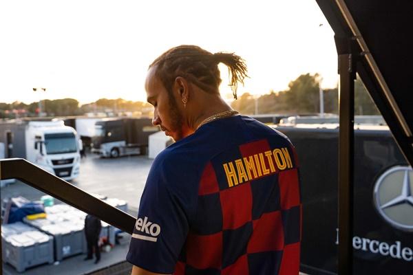 Lewis Hamilton ủng hộ Barca - Bóng Đá