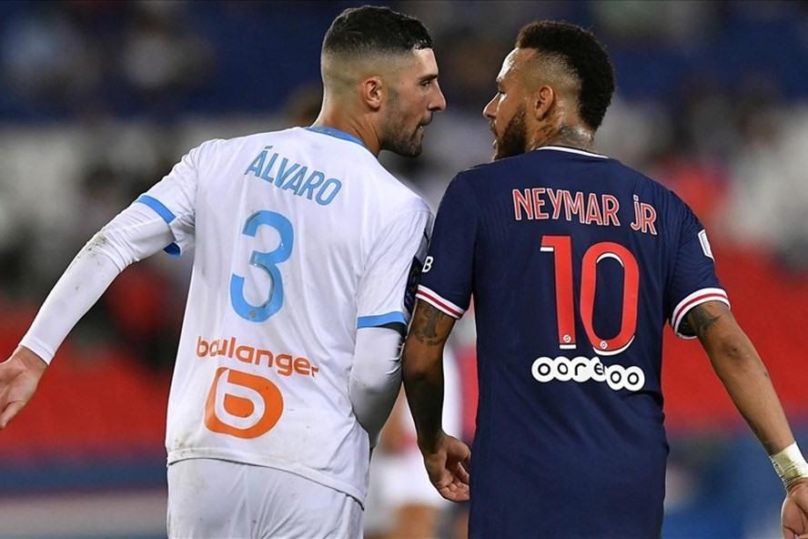 Alvaro Gonzalez chỉ trích Neymar - Bóng Đá