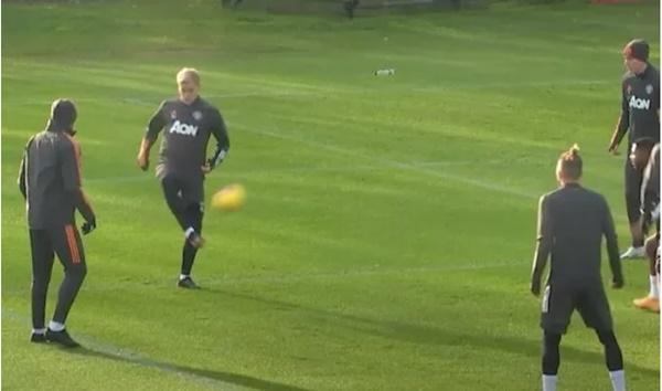 Fan MU đòi Van de Beek được đá chính - Bóng Đá