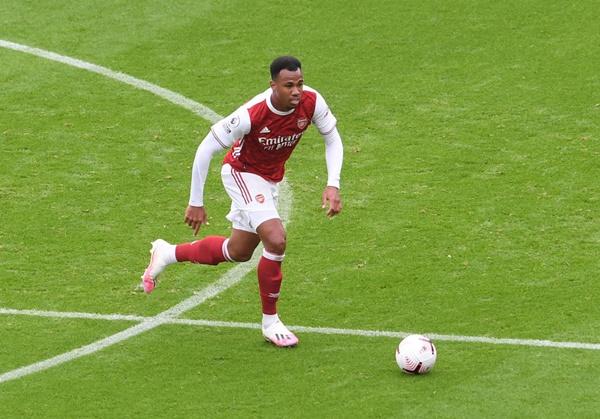 Fan Arsenal muốn ký hợp đồng trọng đời với Gabriel Magalhaes - Bóng Đá