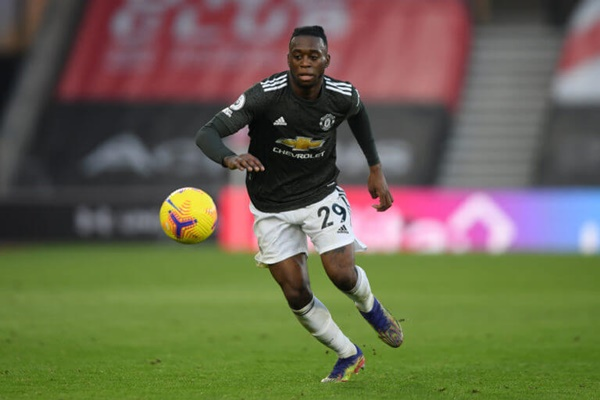 Manchester United fans react to Aaron Wan-Bissaka's display vs Fulham - Bóng Đá