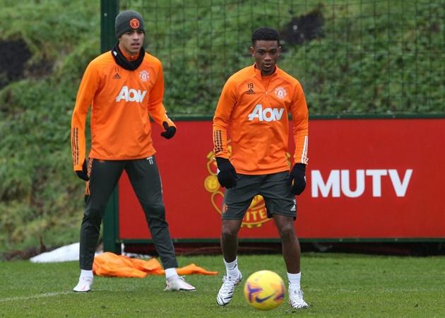 Amad Diallo khiến Greenwood chịu áp lực - Bóng Đá