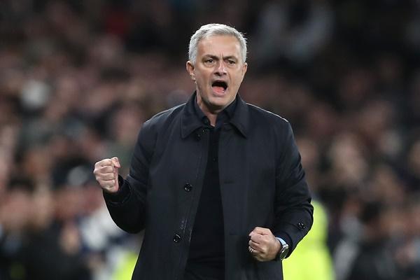 2 cầu thủ sẽ khiến Mourinho mất ghế - Bóng Đá