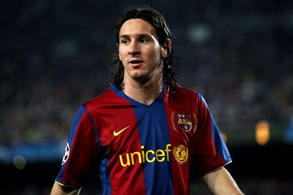 10 khoảnh khắc đáng nhớ nhất trong sự nghiệp của Messi - Bóng Đá