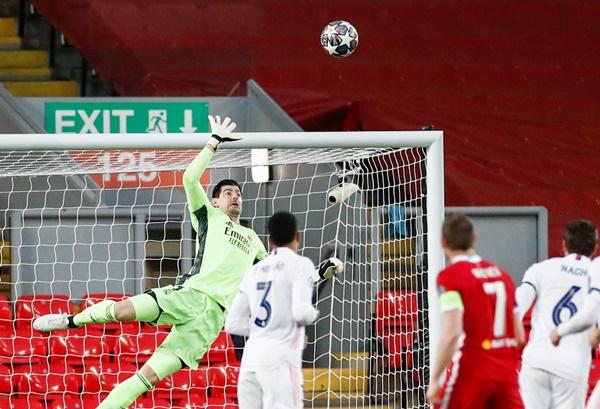Worldcup888 news: Phung phí cơ hội, Liverpool 'nợ nần chồng chất'