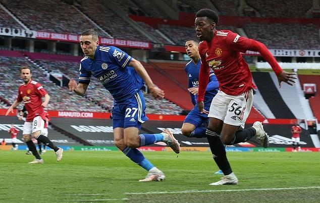Manchester United should face a six-point DEDUCTION for 'disrespecting' the Premier League top-four race, says Trevor Sinclair - Bóng Đá