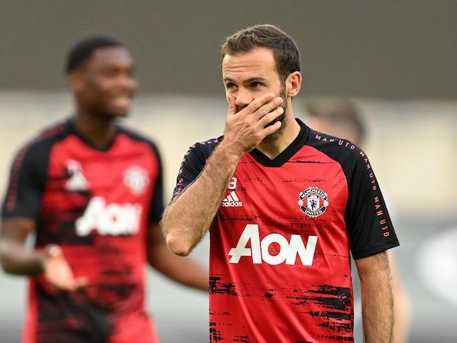 Juan Mata 'must take pay cut for Manchester United stay' - Bóng Đá