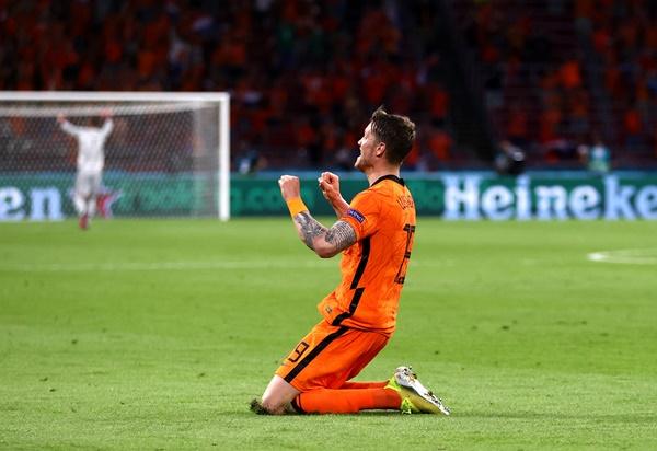TRỰC TIẾP Hà Lan 2-0 Ukraine: Chủ nhà nới rộng cách biệt (H2) - Bóng Đá