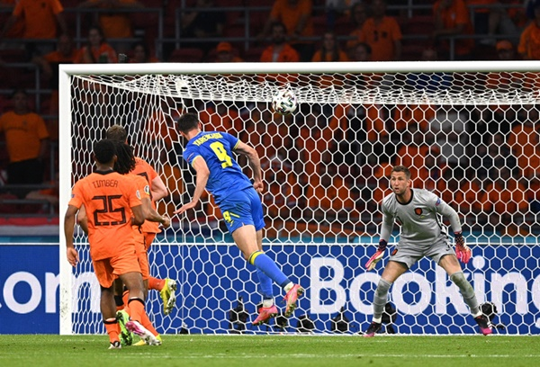 TRỰC TIẾP Hà Lan 2-2 Ukraine: Đội khách quân bình tỷ số (H2) - Bóng Đá