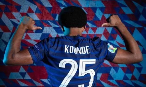 Chelsea shirt numbers Jules Kounde could wear with 'Sevilla transfer talks opened' - Bóng Đá