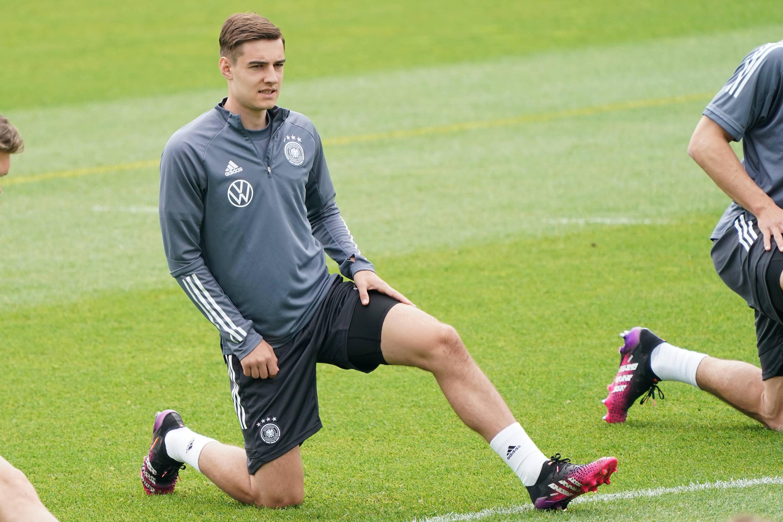 Jurgen Klopp really wants to sign Florian Neuhaus but he'll be disappointed - Bóng Đá