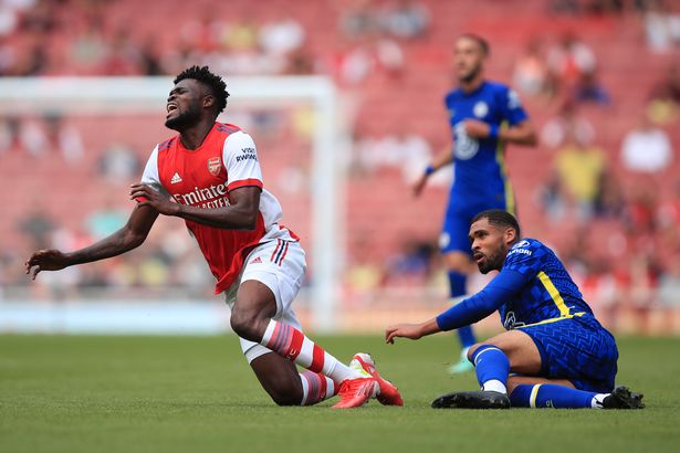 Arsenal fans accuse Chelsea of purposefully injuring players in feisty pre-season clash - Bóng Đá