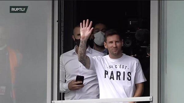 CHÍNH THỨC! PSG công bố chữ ký của Lionel Messi - Bóng Đá