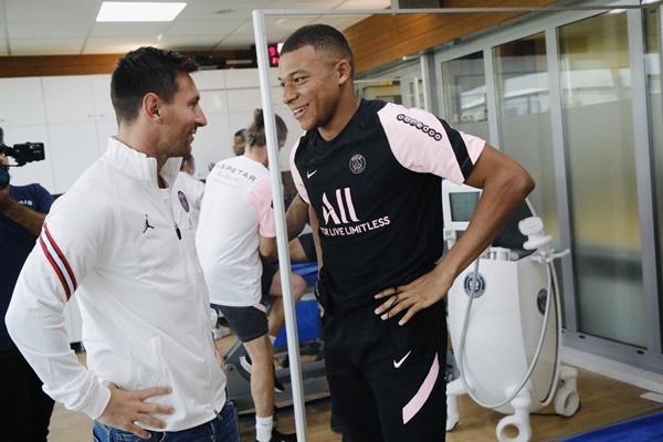 Mbappe gặp Messi - Bóng Đá