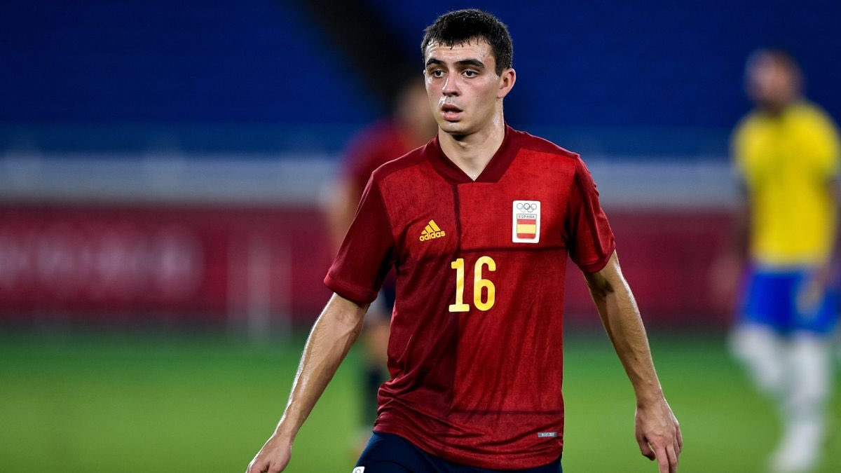 Liverpool 'preparing record-breaking transfer bid' for Barcelona star Pedri - Bóng Đá