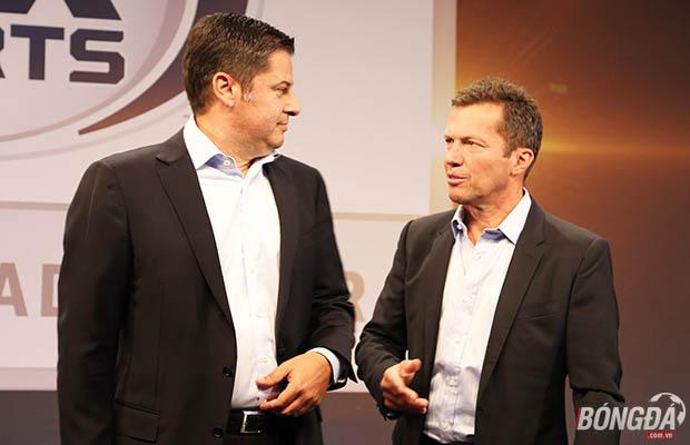 Ông Christian Seifert - CEO của Bundesliga và Lothar Matthäus. Ảnh: Hà Bạch (Từ Berlin).