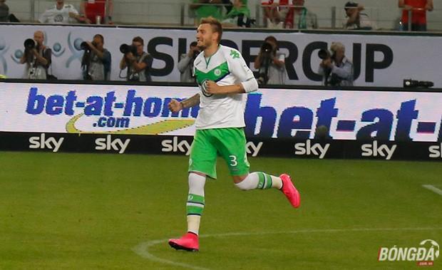 Nicklas Bendtner ghi bàn trong trận siêu cúp Đức. Ảnh: Hà Bạch (từ Wolfsburg)