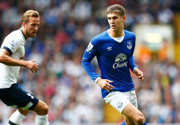 John Stones (phải) trong màu áo Everton. Ảnh: Internet.