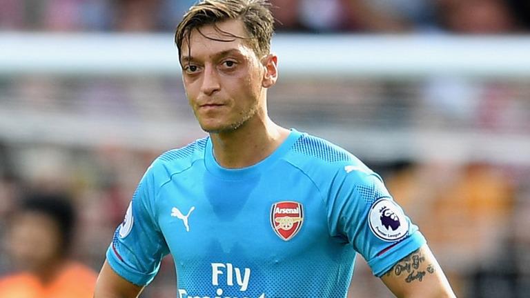 'Mesut Oezil là kẻ thất bại ở Arsenal' - Bóng Đá