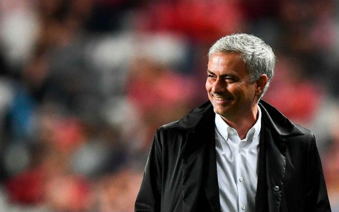 Mourinho đáp trả chỉ trích: