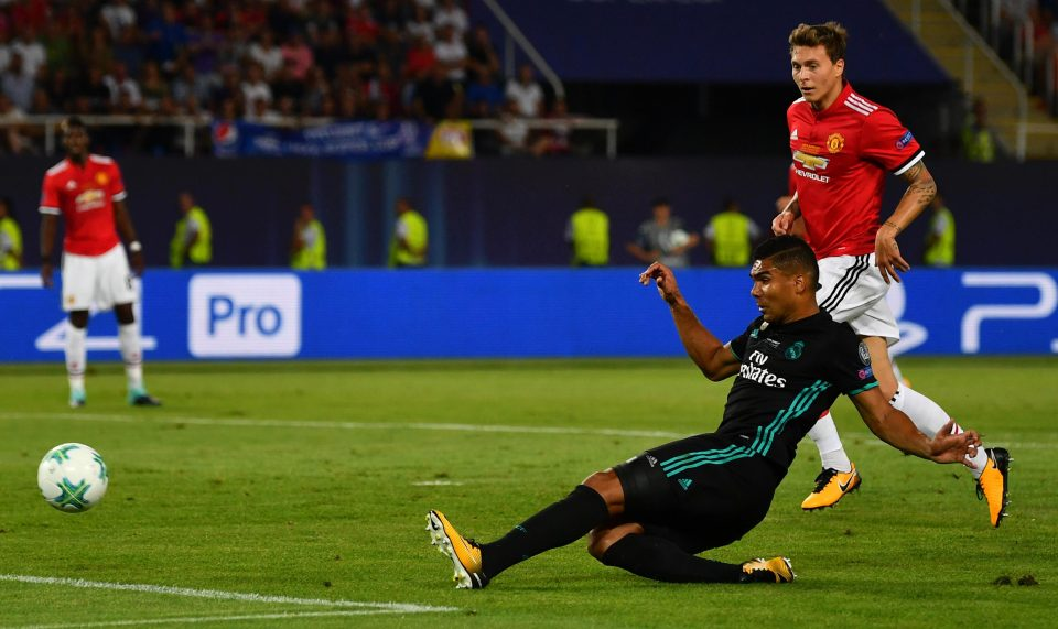 Tin HOT Man Utd 22/10: Dụ dỗ Casemiro; Ozil lên tiếng về tin đồn - Bóng Đá