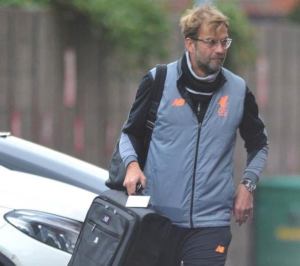 Coutinho dẫn đầu dàn sao Liverpool đến Anfield, chờ 'làm gỏi' Spartak Moscow - Bóng Đá