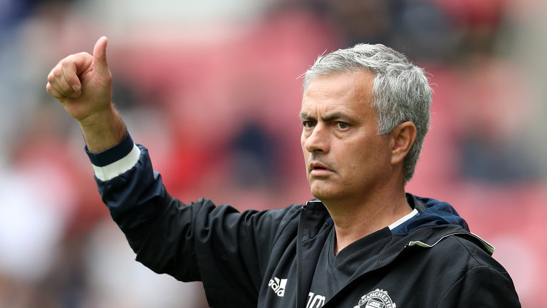 Sao Man City thách Mourinho chơi tấn công - Bóng Đá